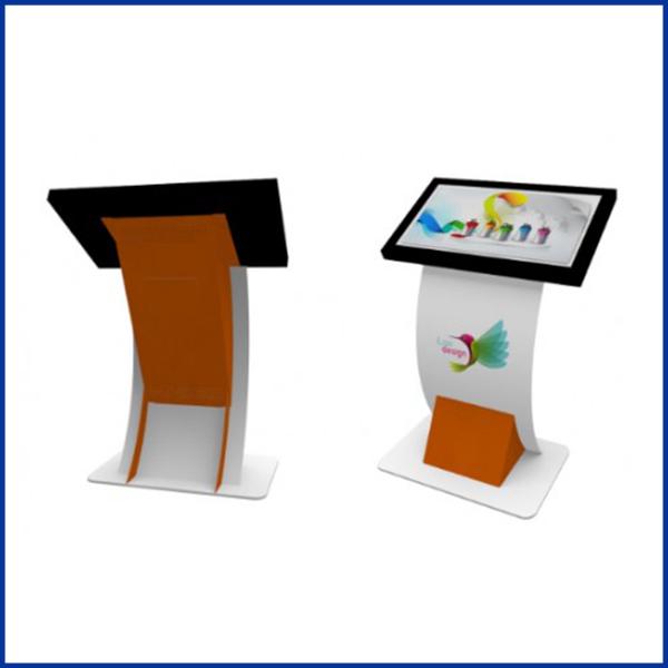 La borne tactile 32 pouces est un support idéal pour attirer l'attention de ses utilisateurs.Elle permet de diffuser et collecter des informations.
