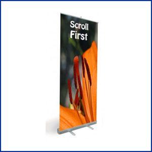 Roll up Eco est un enrouleur simple face simple d'utilisation et robuste. Ce produit est garanti 3 ans. Le produit est vendu avec et sans impressions.