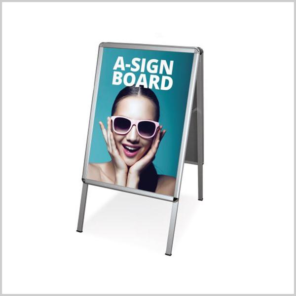 Stop trottoirR/V est un support de communication publicitaire indispensable double face pour mettre en avant votre communication publicitaireFormat A1