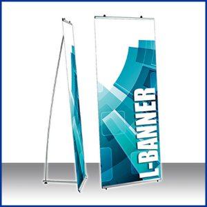 L-Banner est un structure autoportante idéale pour un rapide déploiement de vos visuels. Elle est équipée d'un système de pinces clipantes et réutilisables.