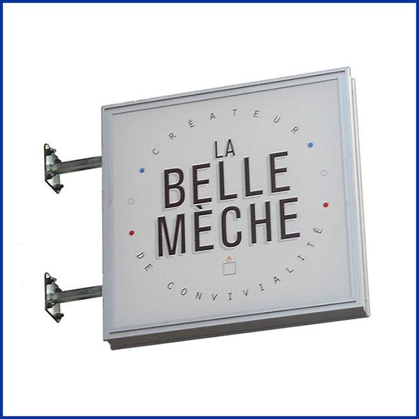 Caisson-lumineux simple, qui permet de mettre en valeur une affiche publicitaire sur la partie avant du caisson ou double face.