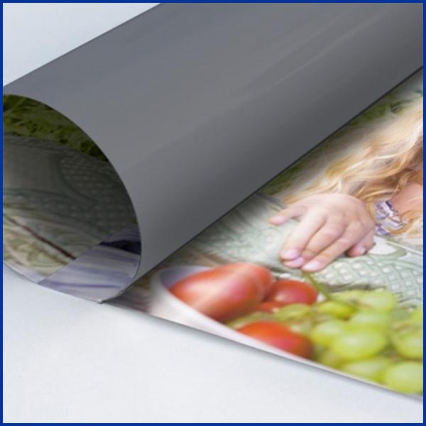 Nos affiches plastifiées sont imprimées sur un papier satiné conçu pour l'impression haute définition (comme l'impression de poster).