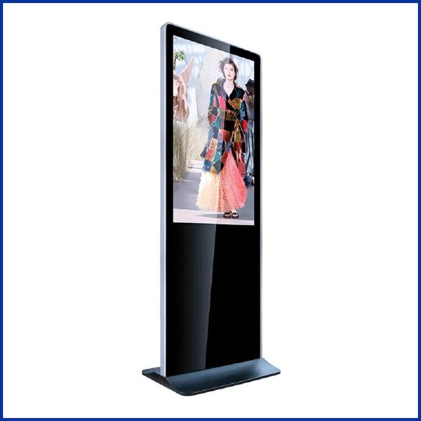 Le totem 43 vertical est sans aucun doute le best-seller de notre large gamme de totems tactiles d'intérieur alliant performance et design moderne.